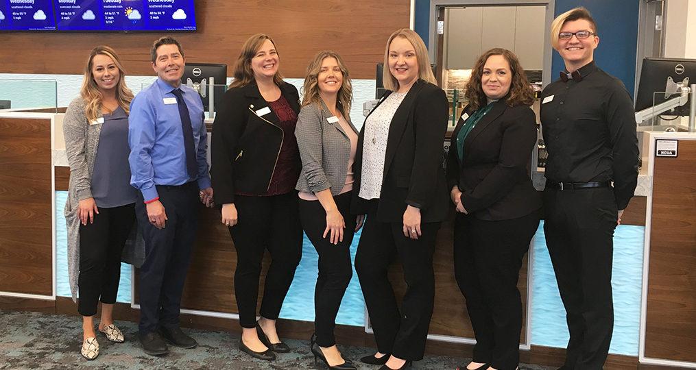 Jessica Ferranti employee spotlight_Jessica with her branch team