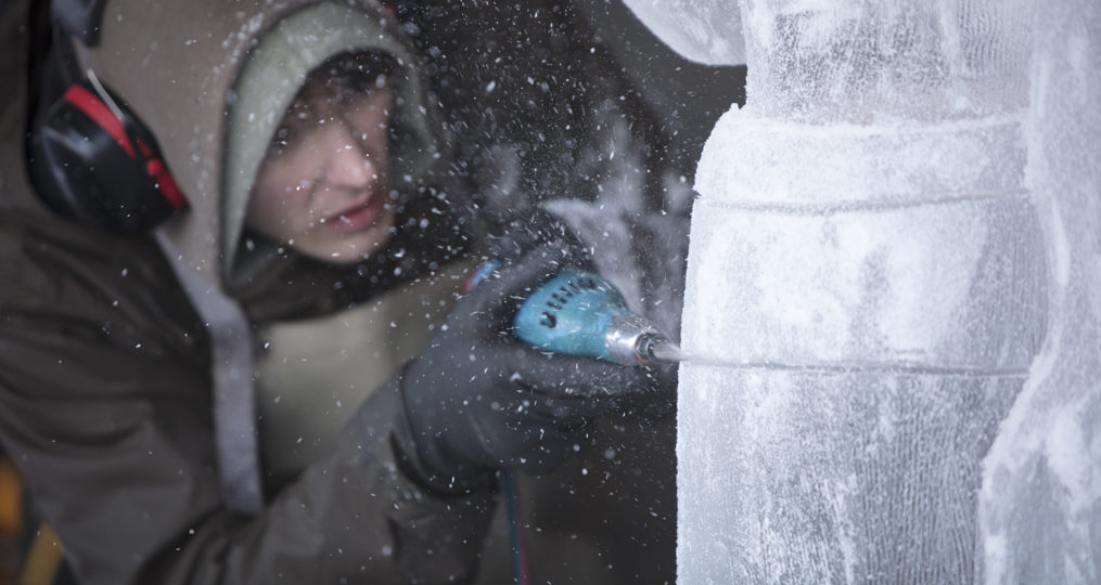 Enjoy the Best of Central Oregon at Winterfest 2020!_Ice carving