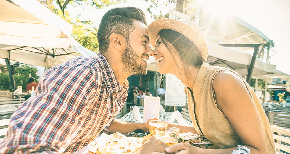 How to share finances as a couple - eskimo kiss over lunch