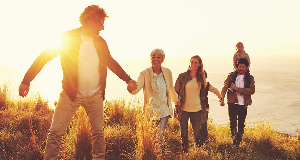 how to maintain good credit at any age_walking up hill with multi-generational family