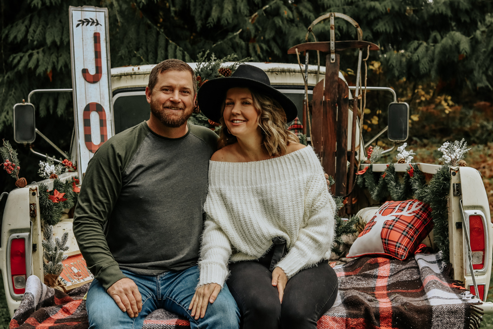 Employee Spotlight with Vancouver Waterfront Branch Team_Amy and husband holiday photo