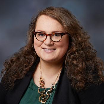 Portrait photo of Hannah Lewis