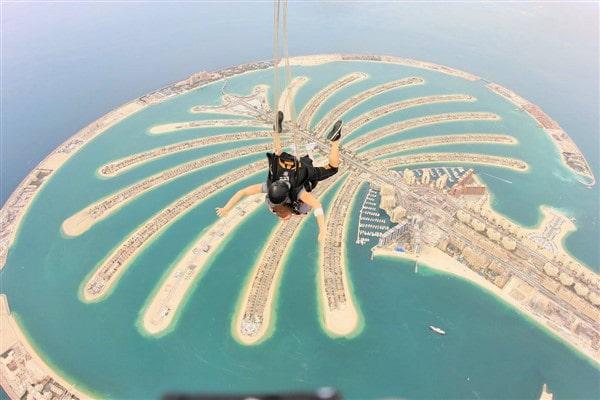 Laurissa Bybee employee spotlight-Laurissa Skydiving