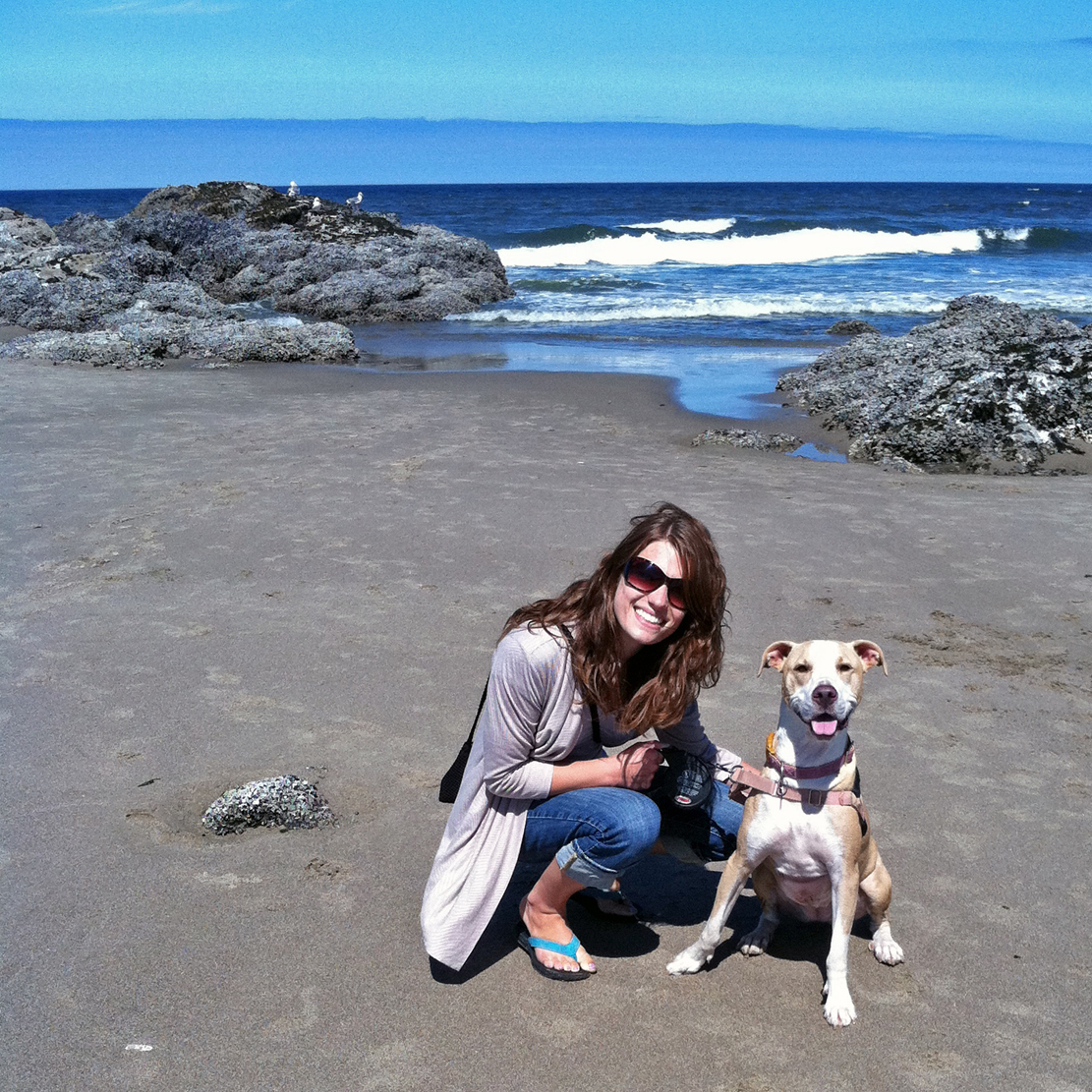 Monica Almroth with Heidi at the beach