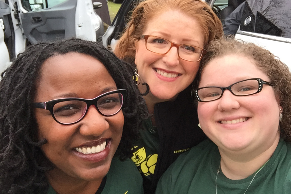 Meghan tailgating at an Oregon Ducks game with some friends